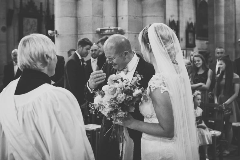 042-chateau-la-durantie-wedding-photographer